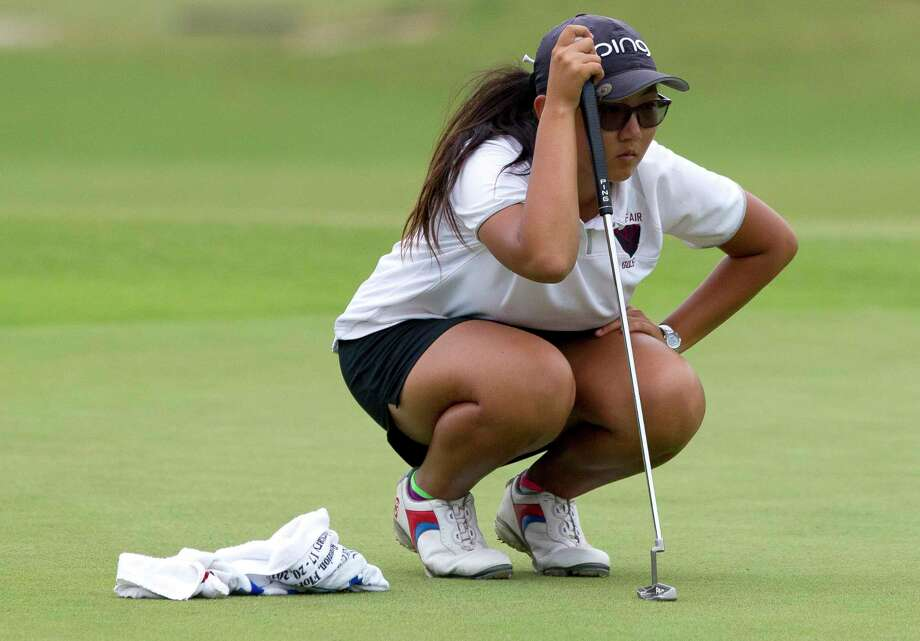 Grace Ni of Cy-Fair lines up a putt on the 18th green during the final round of the 6A girls UIL State Golf Championships at Legacy Hills Golf Club, Tuesday, May 16, 2017, in Georgetown. Photo: Jason Fochtman, Houston Chronicle / © 2017 Houston Chronicle