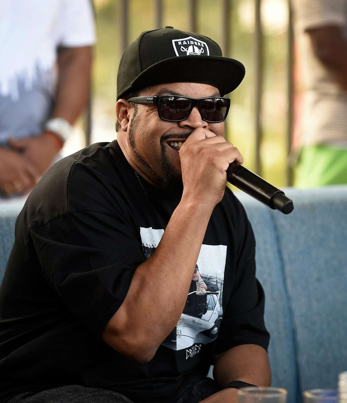LAS VEGAS, NV - MAY 06: Rapper Ice Cube performs at Daylight Beach Club at the Mandalay Bay Resort and Casino on May 6, 2017 in Las Vegas, Nevada. (Photo by David Becker/Getty Images for Daylight Beach Club)
