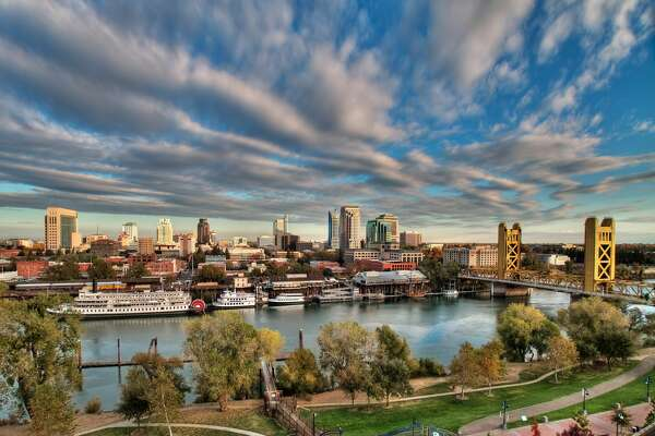 9) Sacramento, California       Total score:  65.33   Travel cost & hassle rank:  51   Local cost rank:  50   Attractions rank:  41   Weather rank:  3   Activities rank:  29   Safety rank:  43