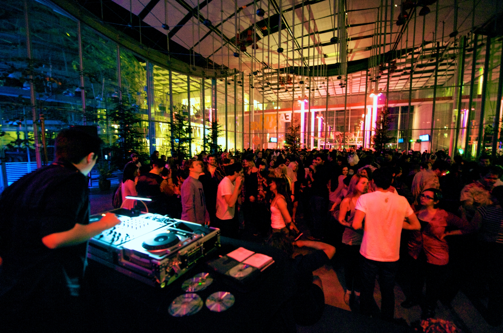 Cal Academy of Sciences Nightlife event goes virtual