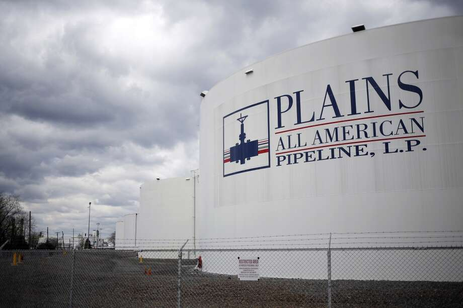 Plains All American Pipeline, L (PAA) Sees 52-Week High