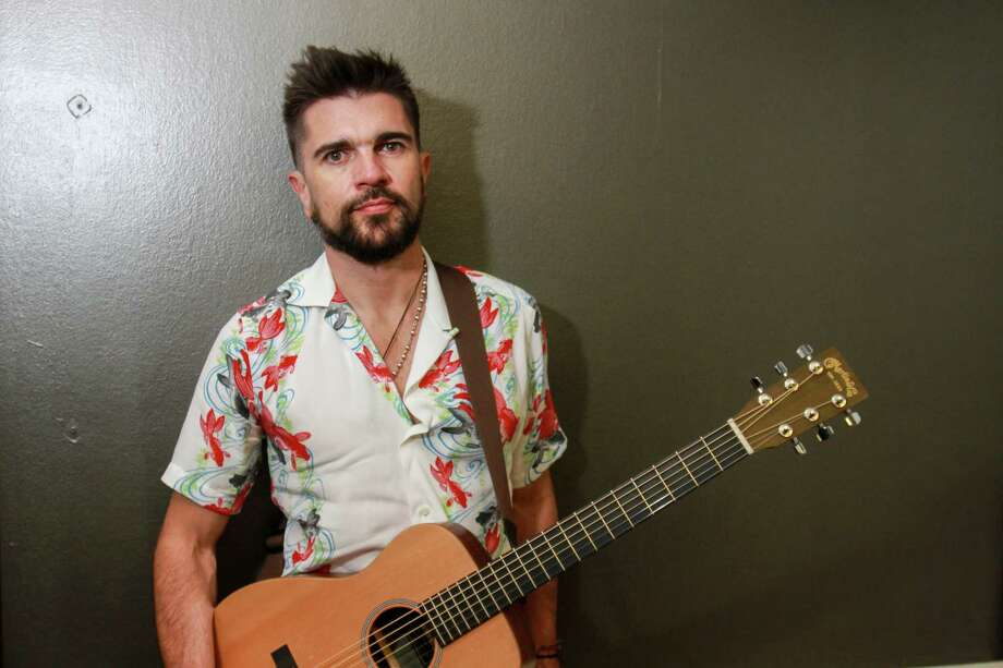 Latin superstar Juanes in his dressing room before his concert at Arena Theatre.  (For the Chronicle/Gary Fountain, May 17, 2017) Photo: Gary Fountain, Gary Fountain/For The Chronicle / Copyright 2017 Gary Fountain