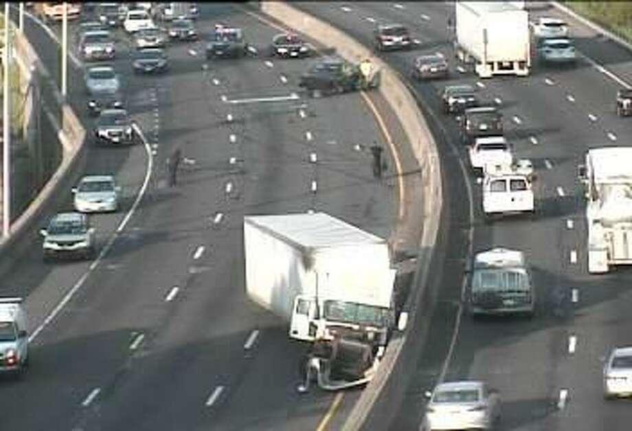 I-95 lanes re-open after tractor-trailer crash in Stratford