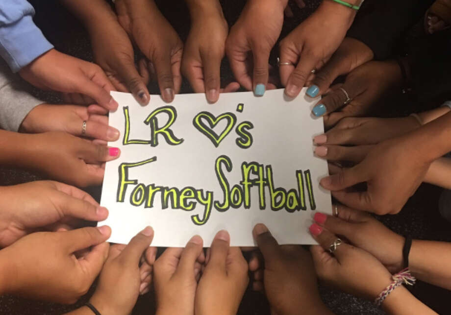 Lake Ridge High School showed support for the Forney softball team on Twitter after one of Forney's players was killed Tuesday night. Photo: Twitter