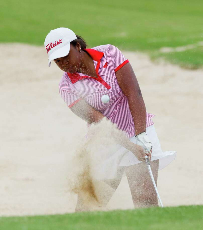 Zoe Slaughter of Houston Memorial hits out a bunker toward the 10th green during the final round of the 6A girls UIL State Golf Championships at Legacy Hills Golf Club, Tuesday, May 16, 2017, in Georgetown. Photo: Jason Fochtman, Staff Photographer / © 2017 Houston Chronicle