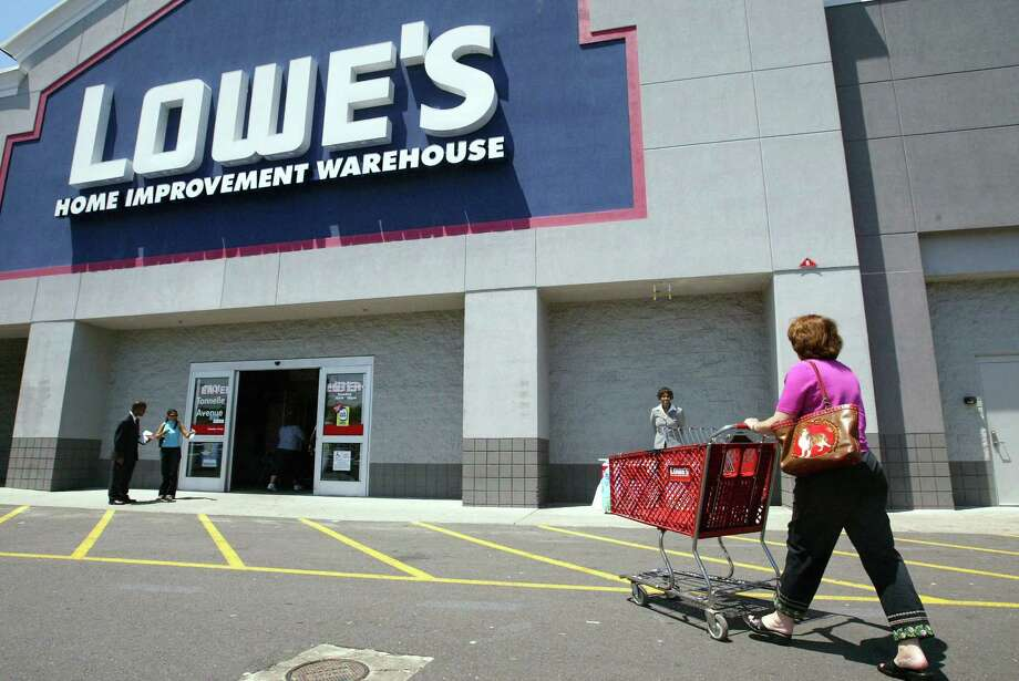 Lowe's will expand its pro services business with the acquisition of Houston based Maintenance Supply Headquarters. Photo: Chris Hondros, Getty Images / Getty Images North America
