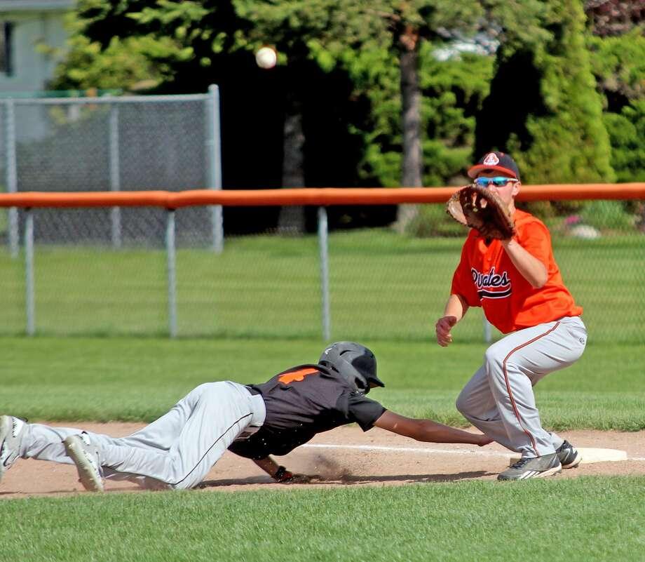 Ubly at Harbor Beach — Baseball/Softball 2017 Photo: Seth Stapleton/Huron Daily Tribune
