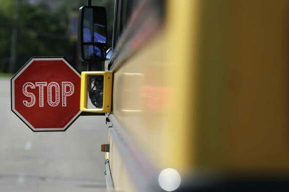 On a 91-43 vote, the Texas House gave preliminary approval to Senate Bill 693, which would require school buses bought in 2017 or later to have three-point lap and shoulder seat belts similar to those in cars.