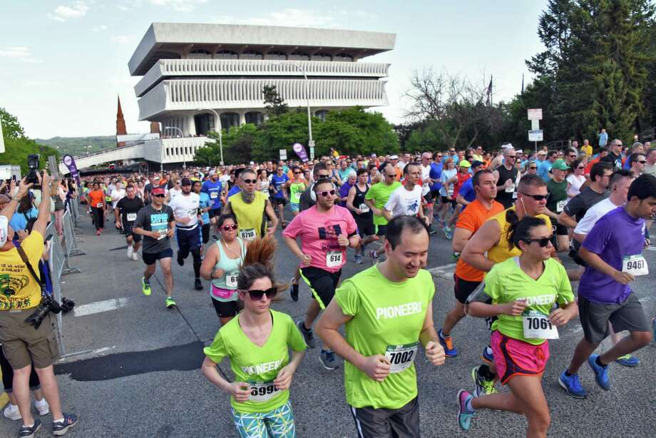 Thousands of runners start the 3.5-mile CDPHP Workforce Team Challenge race at the Empire State Plaza Thursday May 18, 2017 in Albany, NY.  (John Carl D'Annibale / Times Union) Photo: John Carl D'Annibale / 20040514A