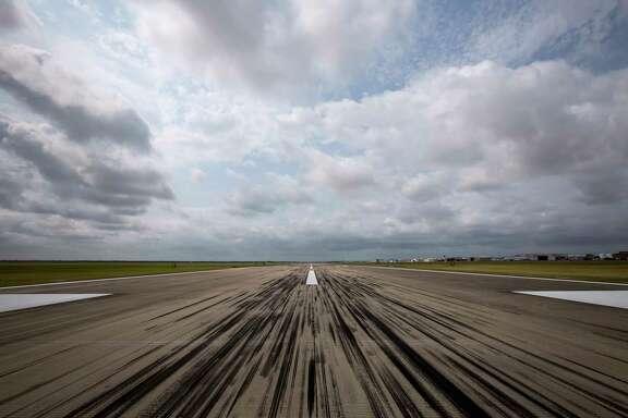 A runway at Ellington Airport is seen Tuesday, May 9, 2017, in Houston. ( Jon Shapley / Houston Chronicle )
