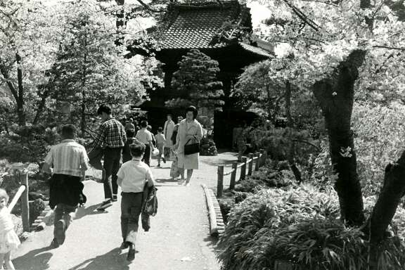 San Francisco Golden Gate Park Japanese Tea Garden. March 31, 1966