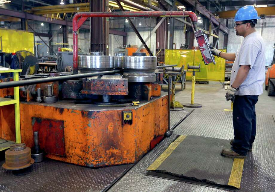 Manufacturing jobs were responsible for a large chunk of the employment gains in Texas in April. Photo: William Luther, San Antonio Express-News / © 2017 San Antonio Express-News