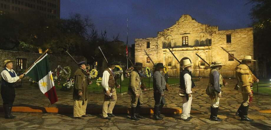 Re-enactors commemorate the battle of the Alamo last year. Technology has its place, but the oral story of the Alamo should always echo within the walls of the sanctuary itself. Photo: John Davenport /San Antonio Express-News / ©San Antonio Express-News/John Davenport