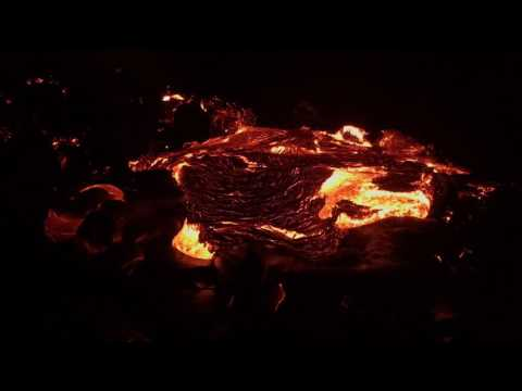 Lava oozes from Hawaiian volcano in stunning time-lapse video