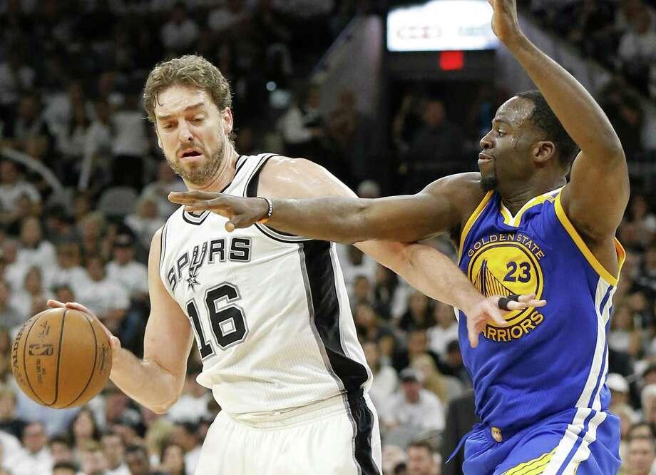 Pau Gasol has the potential to be the Spurs' No. 3 scorer. Photo: Edward A. Ornelas /San Antonio Express-News / © 2017 San Antonio Express-News