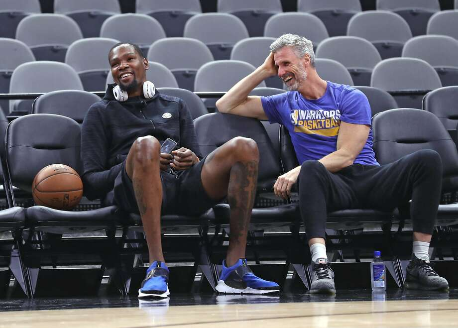Golden State Warriors' Kevin Durant and assistant coach Bruce Fraser after practice during NBA Western Conference Finals at AT&T Center in San Antonio, Texas, on Sunday, May 21, 2017. Photo: Scott Strazzante, The Chronicle