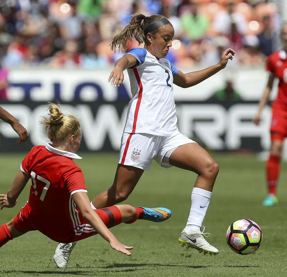 Mallory Pugh (2). showm playing for the U.S. national team against Russia last month, is the youngest player in the NWSL. Photo: Yi-Chin Lee, Houston Chronicle
