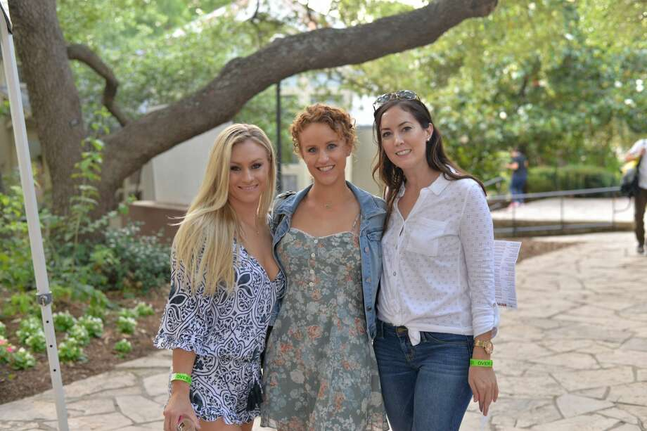 Gardening and drinking beer don't usually go together, but the San Antonio Botanical Garden begs to differ. Saturday, May 20, 2017, the garden hosted its annual Brews and Blooms event. Photo: Kody Melton For MySA
