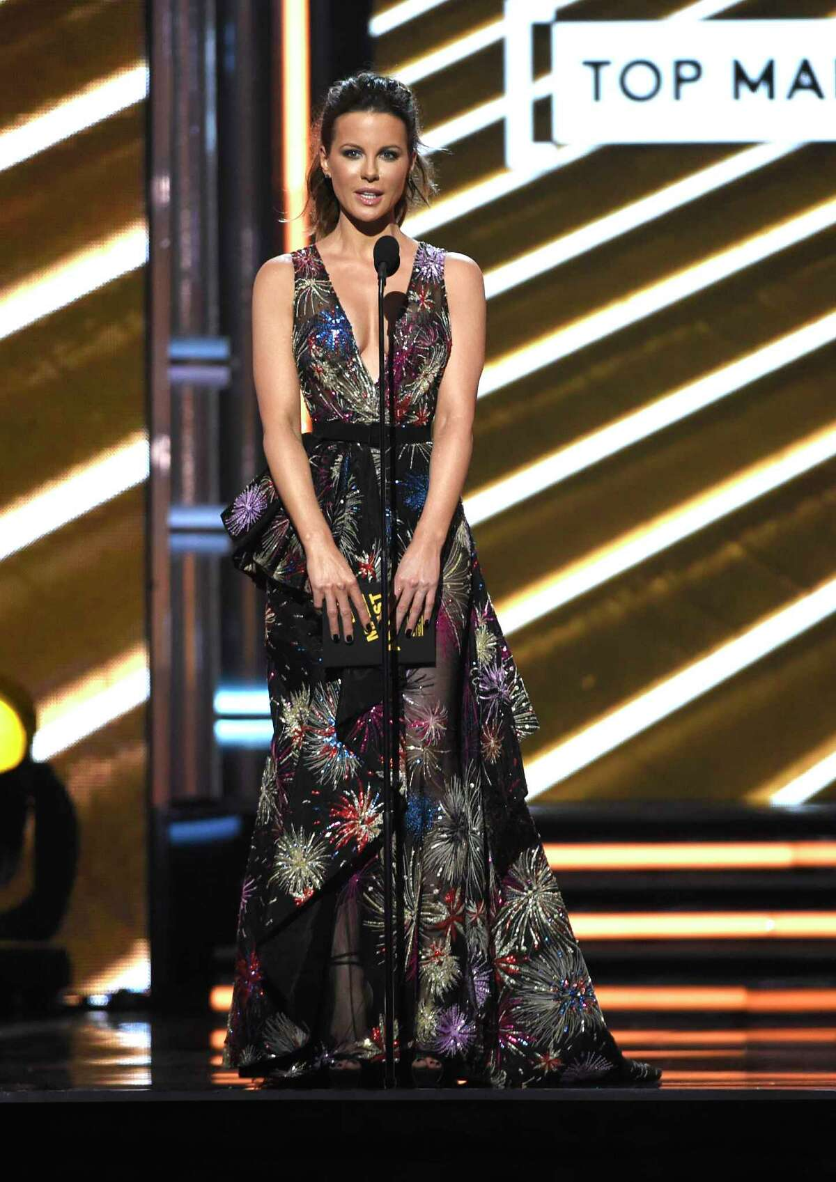 Kate Beckinsale presents the award for top male artist at the Billboard Music Awards at the T-Mobile Arena on Sunday, May 21, 2017, in Las Vegas. (Photo by Chris Pizzello/Invision/AP)