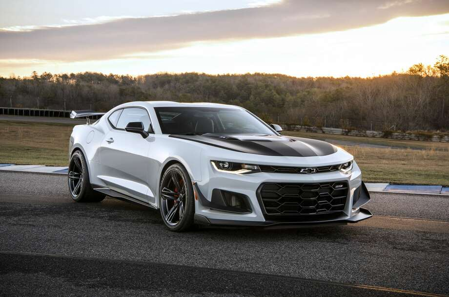 Chevy Unveils Zl1 1le Sports Car For 2018 Camaro Lineup Houston