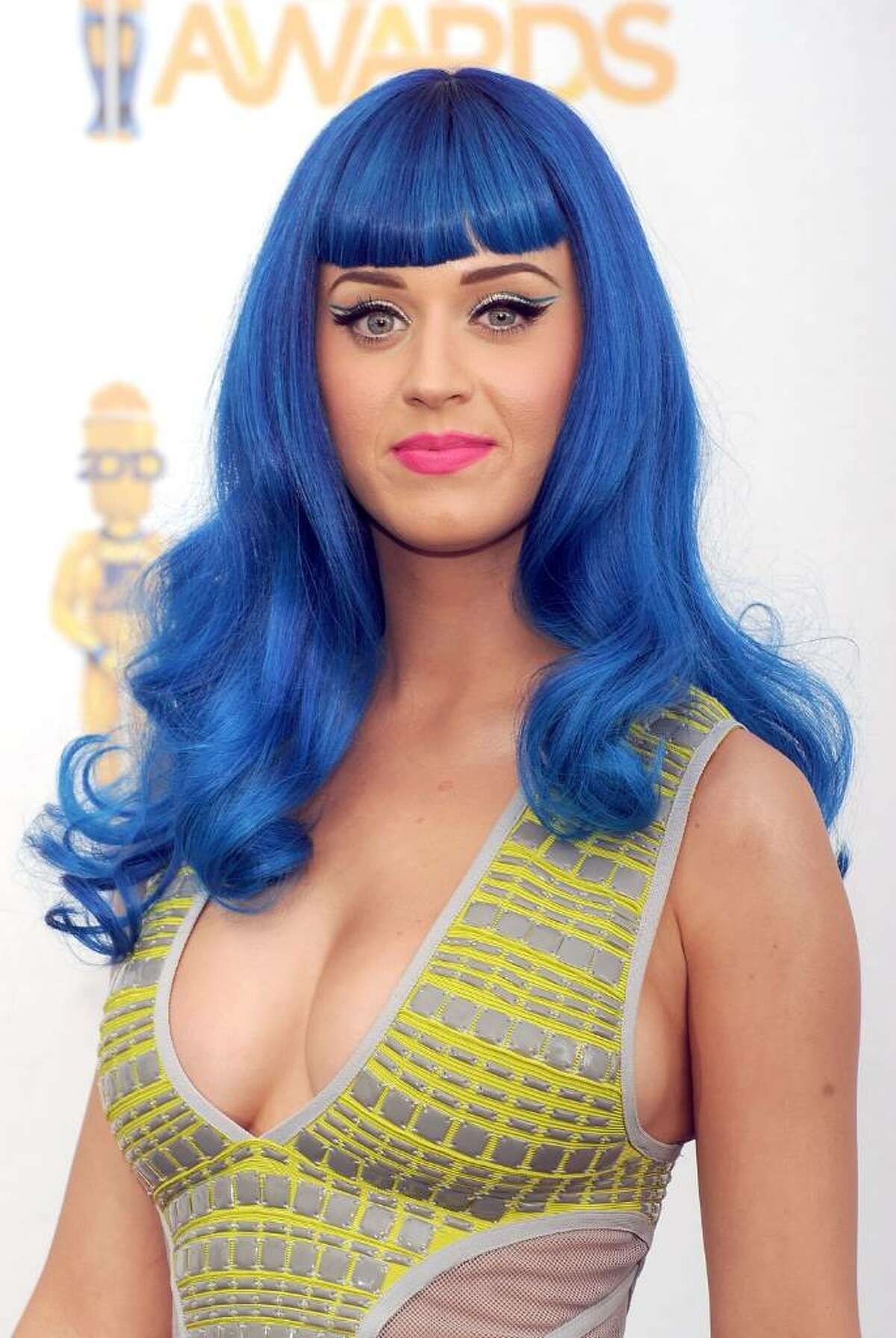 UNIVERSAL CITY, CA - JUNE 06: Singer Katy Perry poses in the press room at the 2010 MTV Movie Awards at Gibson Amphitheatre on June 6, 2010 in Universal City, California. (Photo by Jason Merritt/Getty Images) *** Local Caption *** Katy Perry