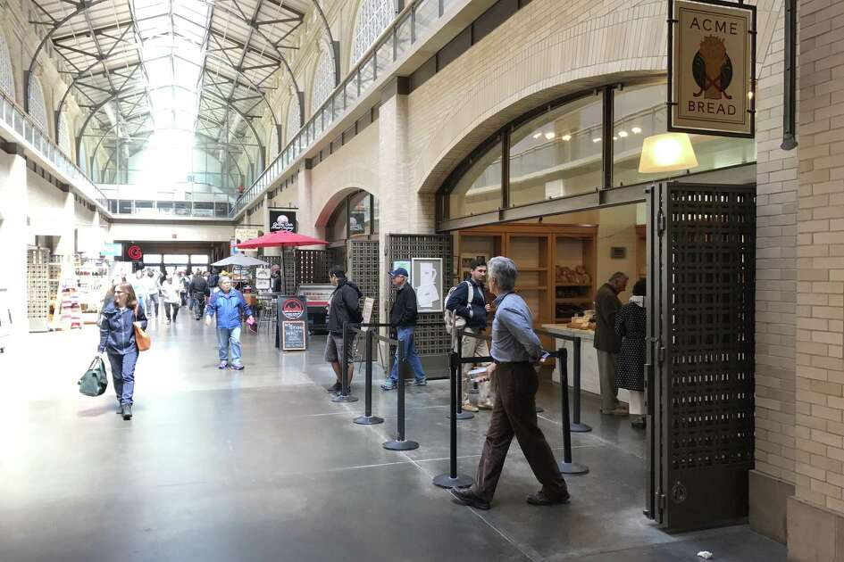 Bystanders at the Ferry Building in San Francisco stopped a suspected would-be kidnapper after they saw her snatch a 3-year-old boy from his mother, police and witnesses said.