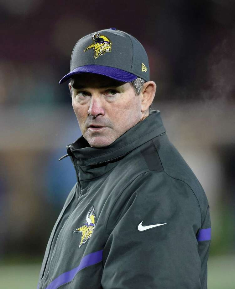 MINNEAPOLIS, MN - DECEMBER 27: Head coach Mike Zimmer of the Minnesota Vikings looks on during warmups before the game against the New York Giants on December 27, 2015 at TCF Bank Stadium in Minneapolis, Minnesota. (Photo by Hannah Foslien/Getty Images) ORG XMIT: 587464727 Photo: Hannah Foslien / 2015 Getty Images
