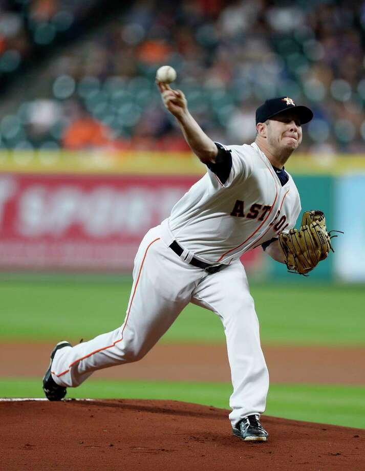 Houston Astros relief pitcher Brad Peacock (41) pitches during the first inning of an MLB baseball game at Minute Maid Park, Monday,  May 22, 2017. ( Karen Warren / Houston Chronicle ) Photo: Karen Warren, Staff Photographer / 2017 Houston Chronicle