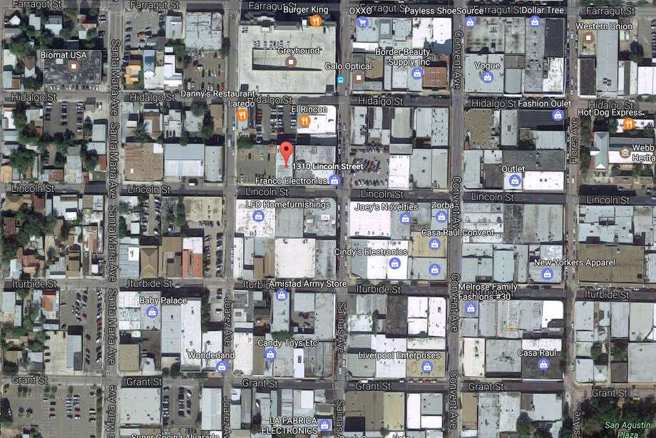 Don Luis Gran Bazar1310 Lincoln04/03/2017 Photo: Google Maps/Street View