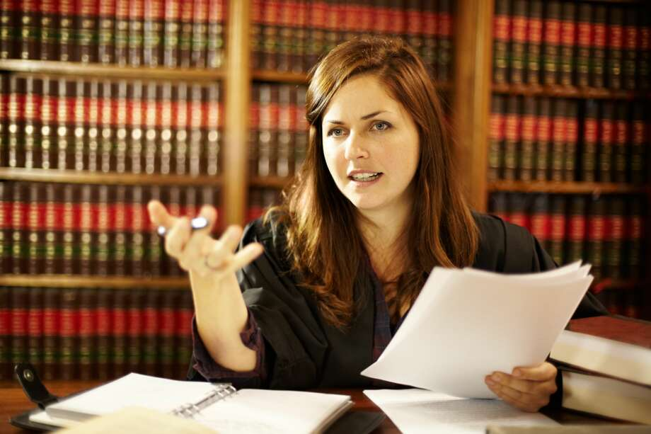 A friend wants her fellow student to pass the bar exam. Photo: PeopleImages/Getty Images