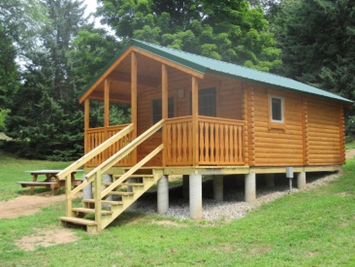 Housatonic Meadows inSharon Recreation:hiking, camping, canoeing, cross-country skiing