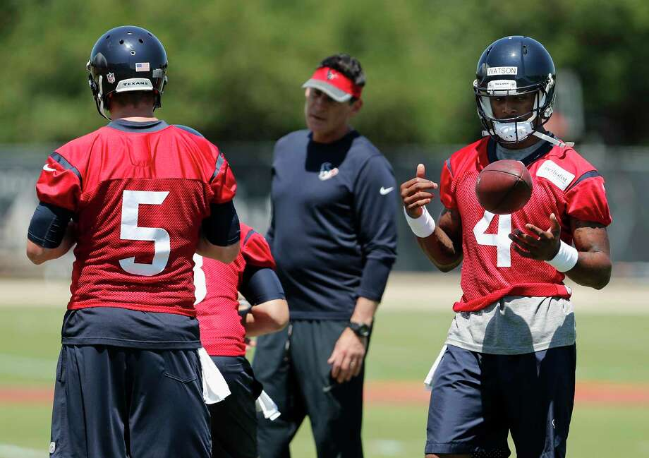 Houston Texans quarterback Deshaun Watson (4) and quarterback Brandon Weeden (5)during the Houston Texans OTAs at the Methodist Training Center in Houston, TX on Tuesday, May 23, 2017. Photo: Tim Warner, For The Chronicle / Houston Chronicle