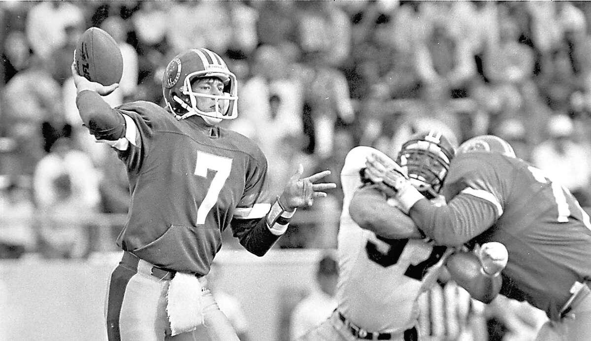 Rick Neuheisel in game action as quarterback for the San Antonio Gunslingers of the USFL.
