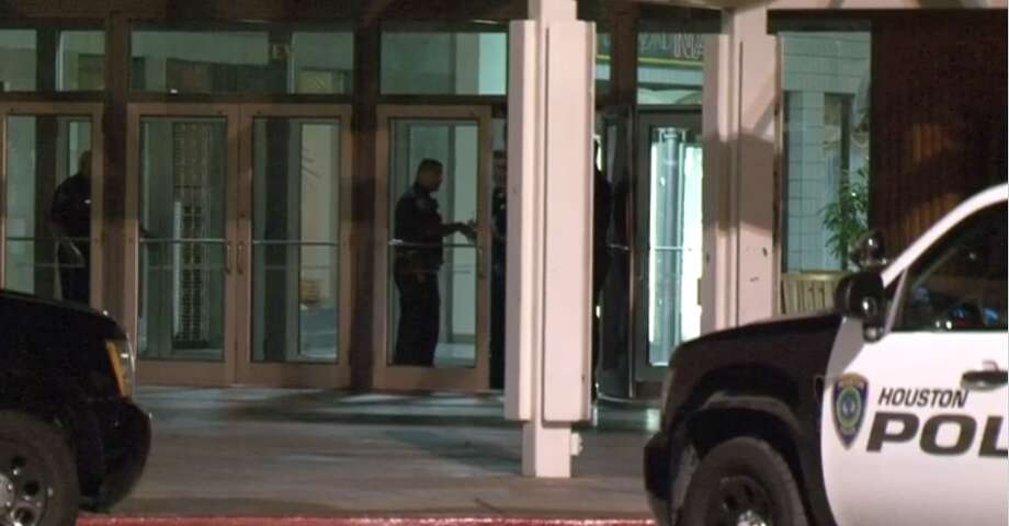 Security thwarts burglars at Greenspoint Mall