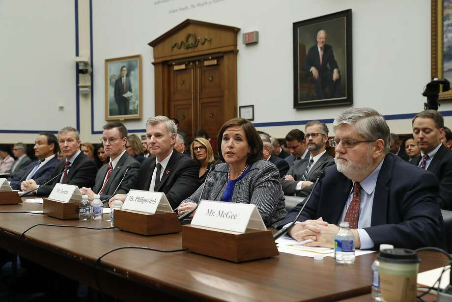 American Airlines Senior Vice President Kerry Philipovitch testifies at a congressional committee hearing this month. Photo: Pablo Martinez Monsivais, Associated Press