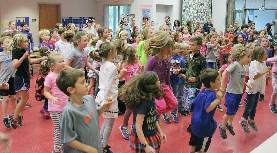 After school on May 22, 2017, students at Tokeneke Elementary School in Darien, CT danced to raise money for their sister school, Read School, in Bridgeport, CT. Photo: Erin Kayata / Hearst Connecticut Media / Darien News