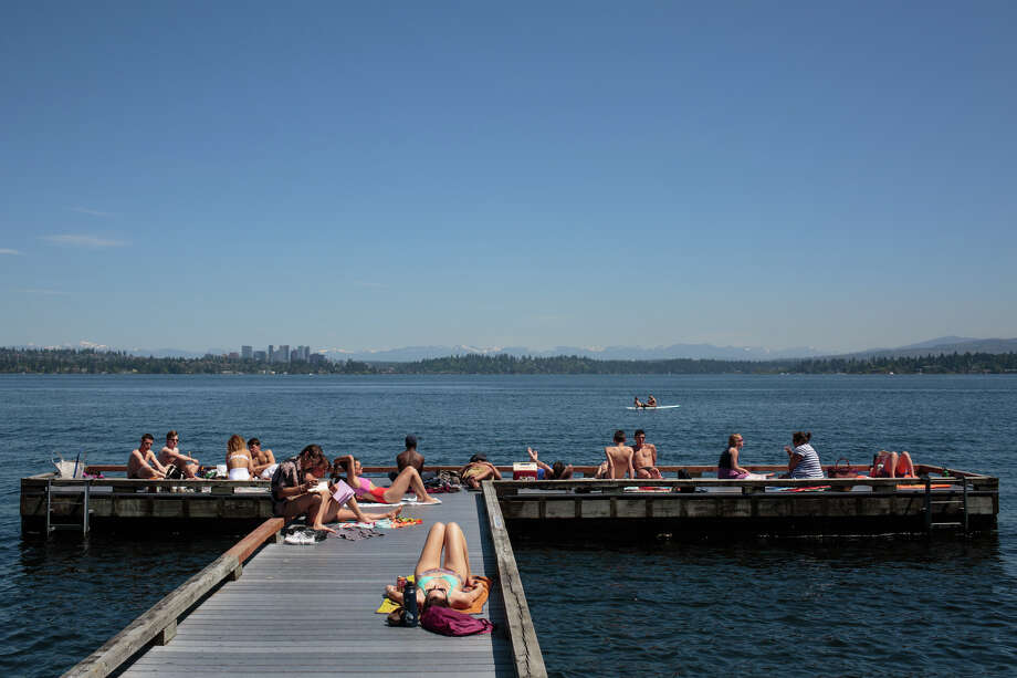 Seattle is finally warm and sunny for an extended period of time, at least according to the forecast. Summer may have finally arrived. Photo: GRANT HINDSLEY, SEATTLEPI.COM / SEATTLEPI.COM