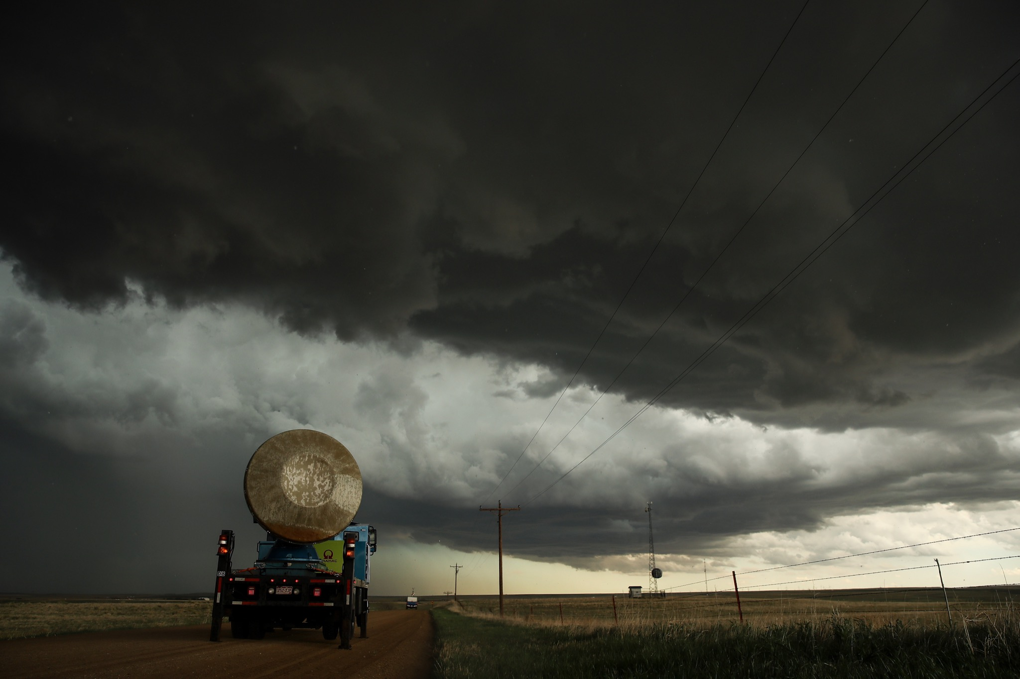 The mobs are ruining storm chasing