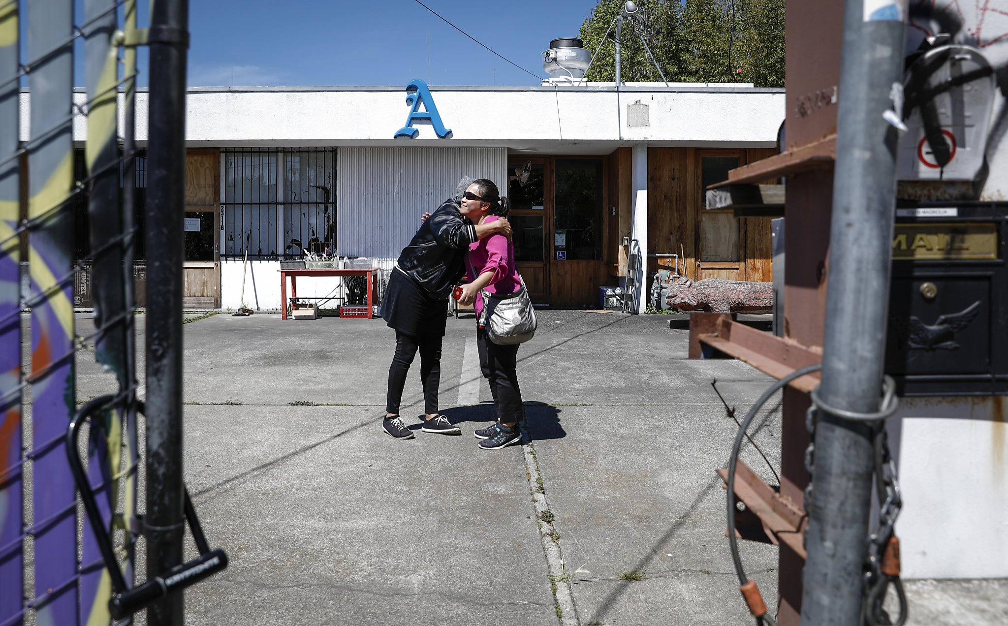 West Oakland's family-run restaurants struggle as climate shifts -  SFChronicle.com