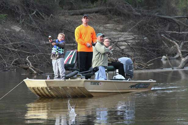 This Memorial Day weekend looks promising for angling families headed to the water on what traditionally is the kickoff of summer fishing season and one of the biggest boating/fishing weekends of the year.