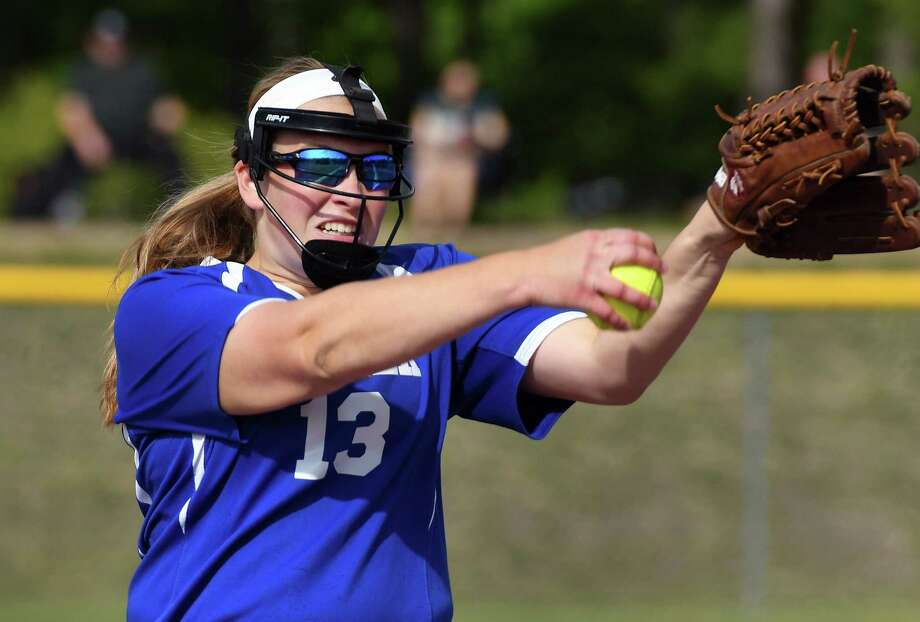 Shaker pitcher Allie Lajeunesse in action against Shenendehowa High Wednesday May 24, 2017 in Malta, NY.  (John Carl D'Annibale / Times Union) Photo: John Carl D'Annibale / 20040552A