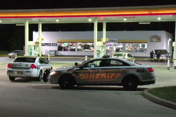 One person is injured and another dead after an apparent shooting early Thursday at a northwest Harris County gas station. (Metro Video)