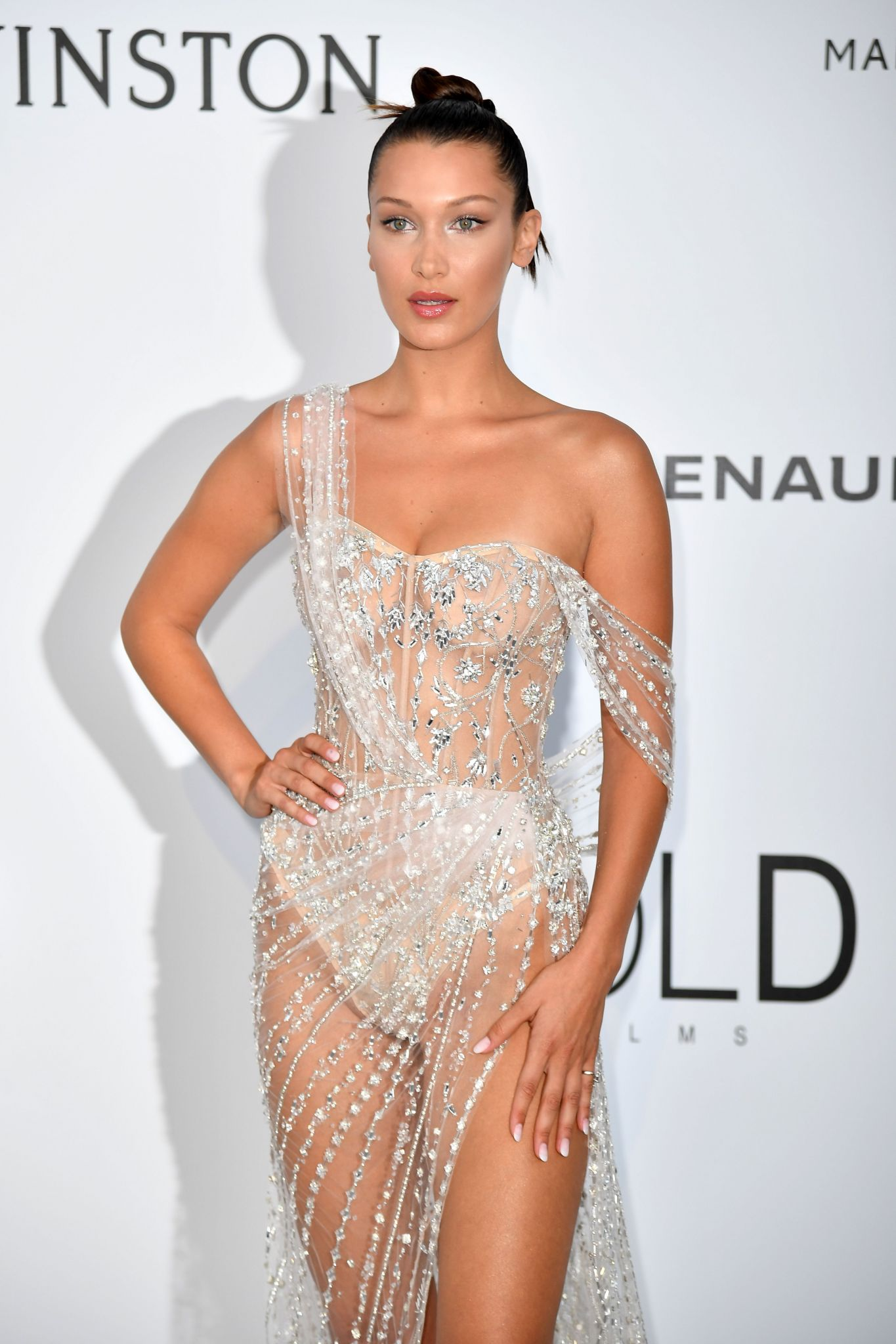 Bella Hadid Suffers A Naked Dress Wardrobe Malfunction