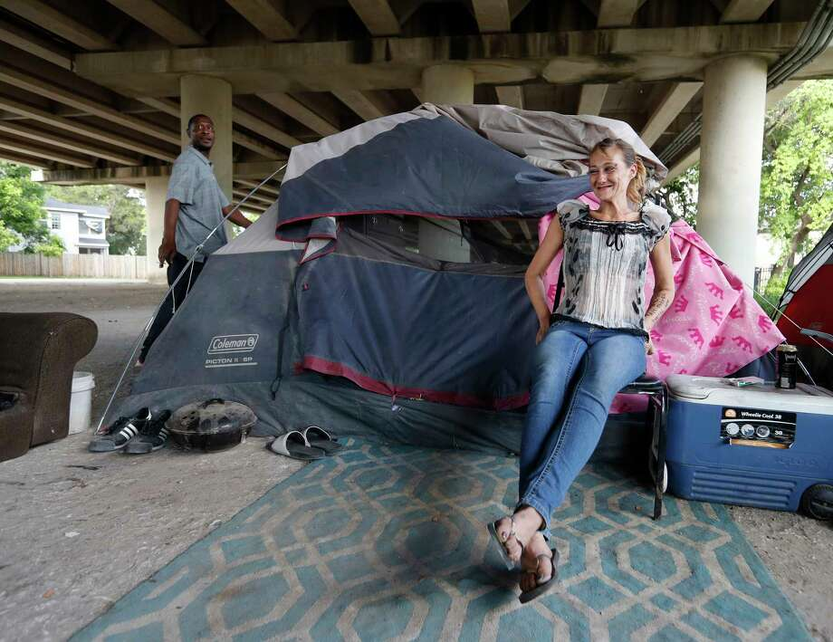 Even if Houston had enough shelter beds for all the homeless, the homeless are quite clear about their reasons for disliking shelters.  Photo: Karen Warren, Staff Photographer / 2017 Houston Chronicle