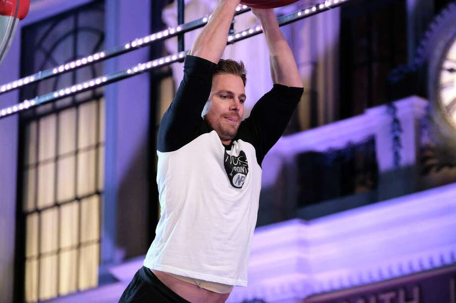 Derek Hough Rips His Shirt Off for 'American Ninja Warrior,' Completes Course
