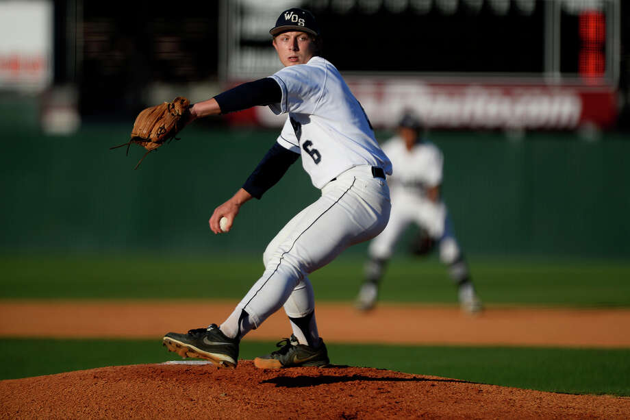 West Orange-Stark's Jack Dallas pitches against Robinson in a Class 4A regional semifinal baseball game at Magnolia High School on Thursday night.  Photo taken Thursday 5/25/17 Ryan Pelham/The Enterprise Photo: Ryan Pelham, Ryan Pelham/The Enterprise / ©2017 The Beaumont Enterprise/Ryan Pelham