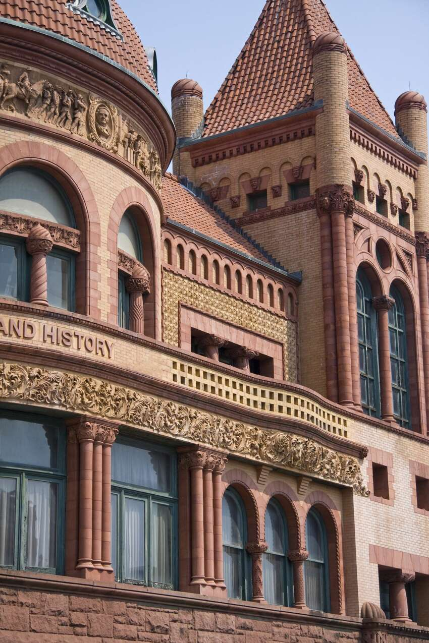 Barnum Museum in Bridgeport Enjoy free admission, along with free Barnum bookmarks, Barnum-blend coffee tasting, guided tours and post cards