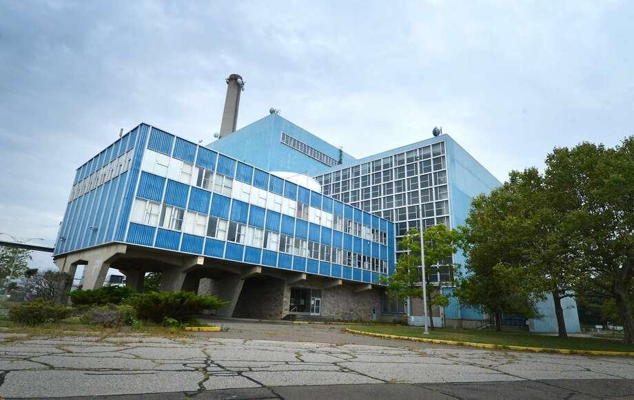 The Manresa Island power plant in Norwalk. Photo: Alex Von Kleydorff / Hearst Connecticut Media File / Connecticut Post
