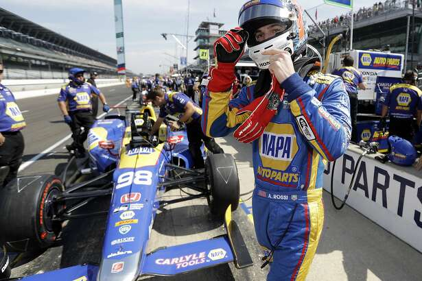 Alexander Rossi prepares to drive during the final practice session for the Indianapolis 500 IndyCar auto race at Indianapolis Motor Speedway, Friday, May 26, 2017 in Indianapolis. (AP Photo/Darron Cummings)