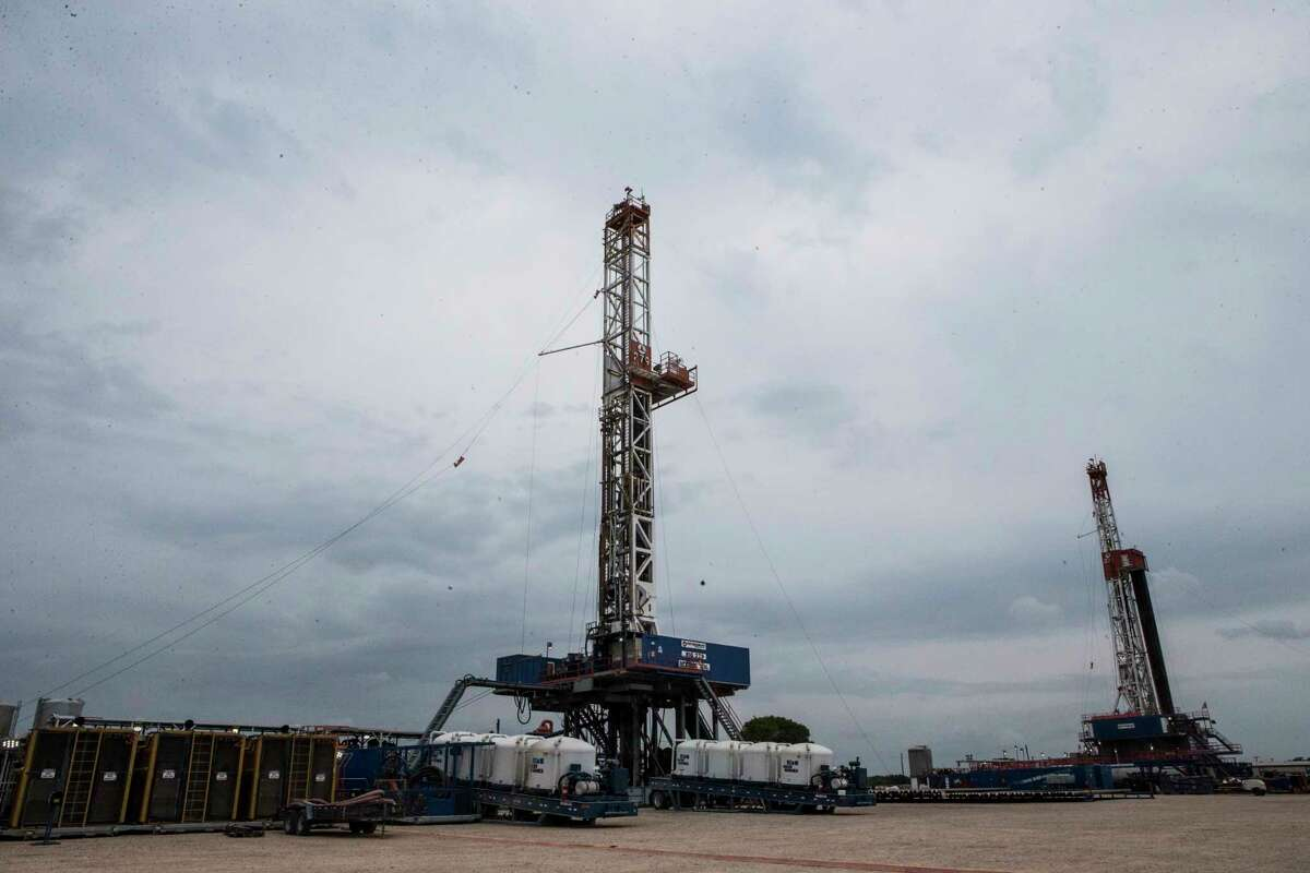 More than 240 U.S. oil and gas companies may be forced to file for bankruptcy protection over the next two years in response to low oil prices, according to a new report. ( Marie D. De Jesus / Houston Chronicle )